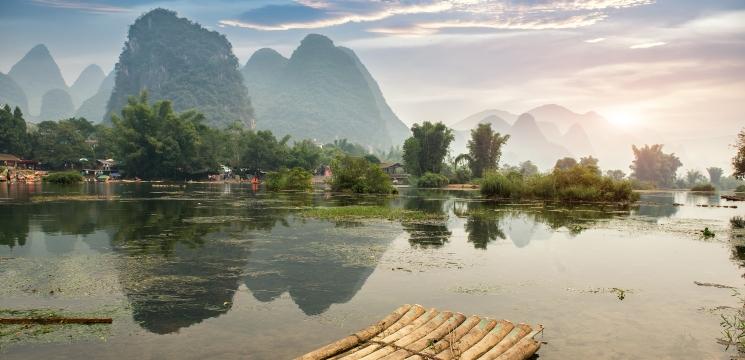 Shanghai Huangpu River Cruise: Route, Price, Tips