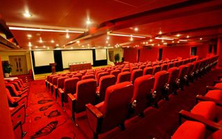 cruise cinema